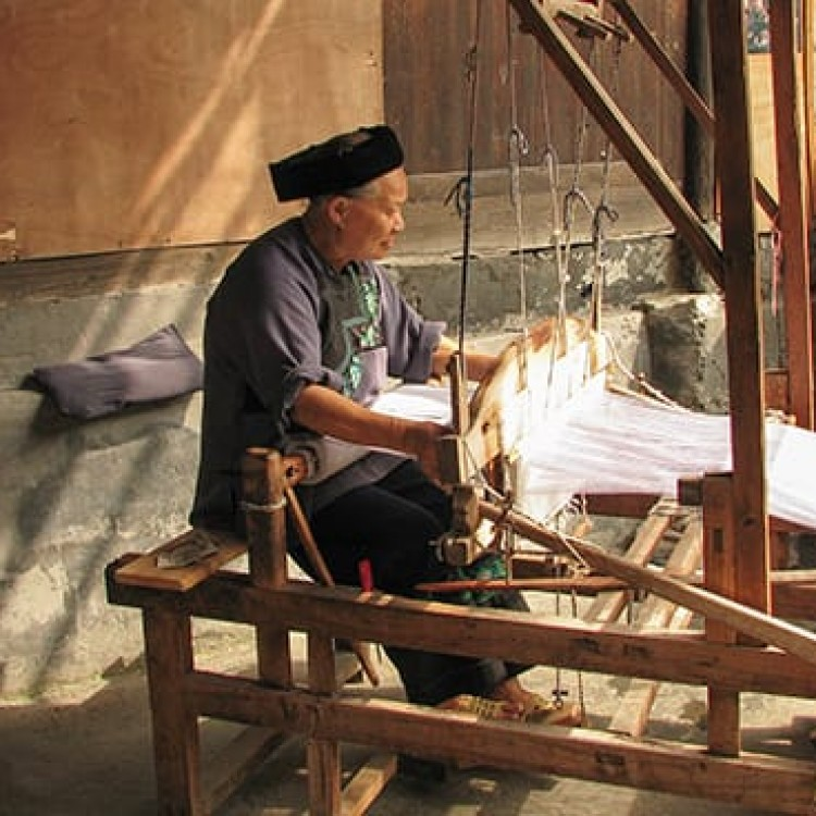 Chase | China - B465 Hidden alleyways reveal century-old weaving looms