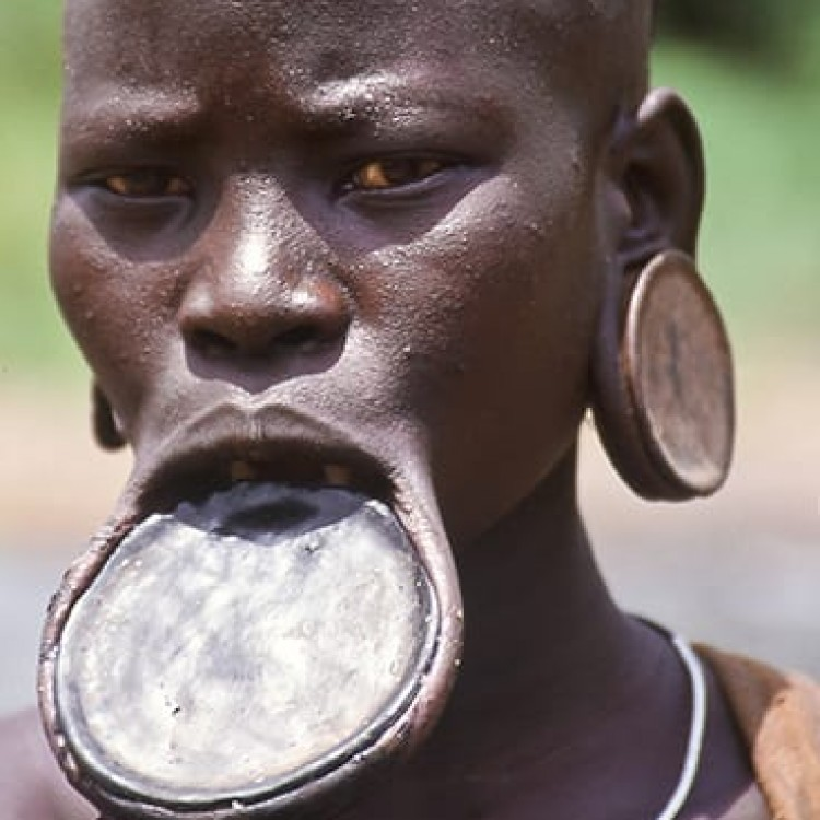 Chase | Ethiopia - 161-06 Lip disc on Mursi woman