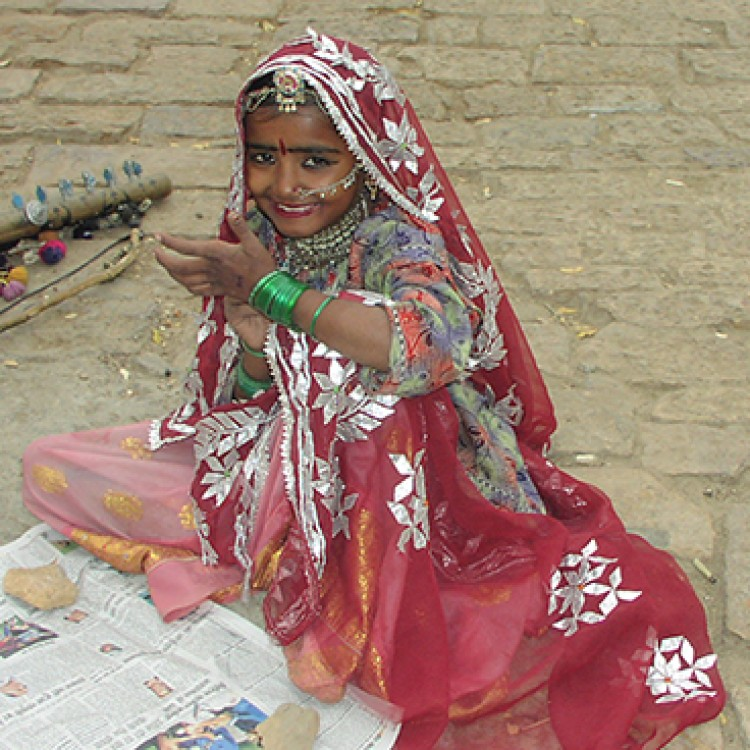 Chase | India - A J116 Rajasthan girl living in fort