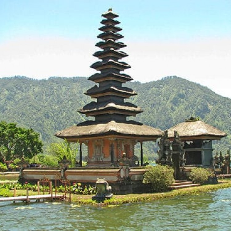 Chase | Bali -  A 6515 An island temple